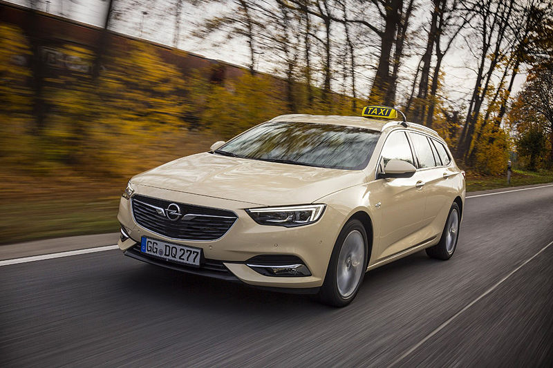 Fahren erster Klasse: Opel Insignia auch als Taxi groß in Form